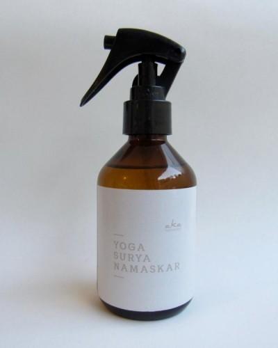 Detalhes do produto YOGA - Surya Namaskar